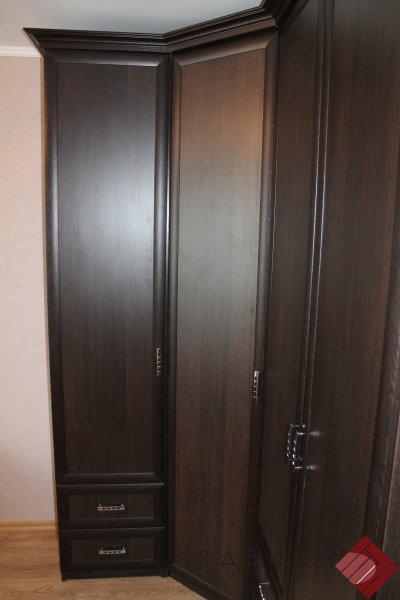 """Шкаф угловой """"Классика"""" с козырьком"""