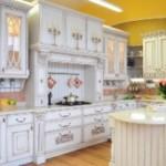 Кухня из массива – преимущества